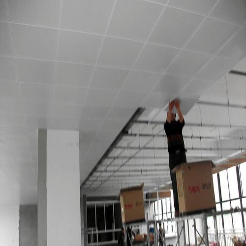 铝料铝扣板-除了走廊过道铝扣板吊顶