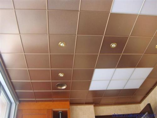 内墙铝扣板装饰材料-中山铝天花厂家之大型装饰材料pk赛