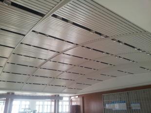 铝扣板条扣价格-铝扣板吊顶铝边条要用胶水粘吗