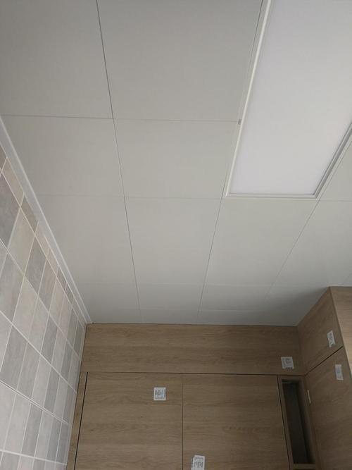 纯白色铝扣板-铝扣板吊顶颜色怎么选