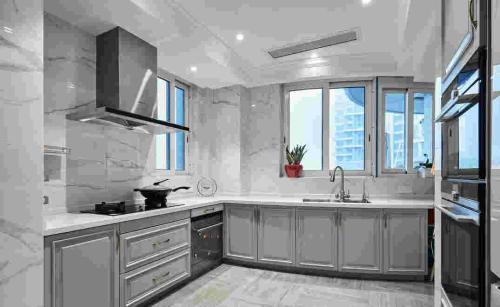 厨房吊顶用铝扣还是铝扣板好-厨房吊顶好还是刷墙好