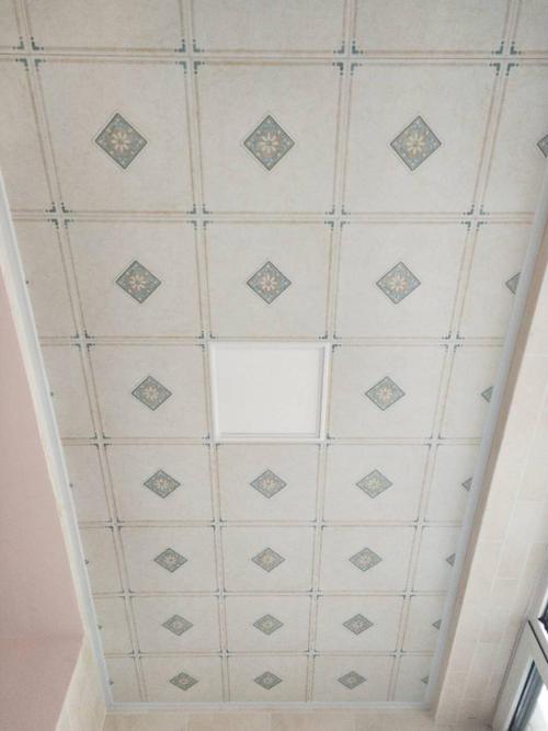露天阳台铝扣板吊顶-阳台安装铝扣板吊顶合适吗