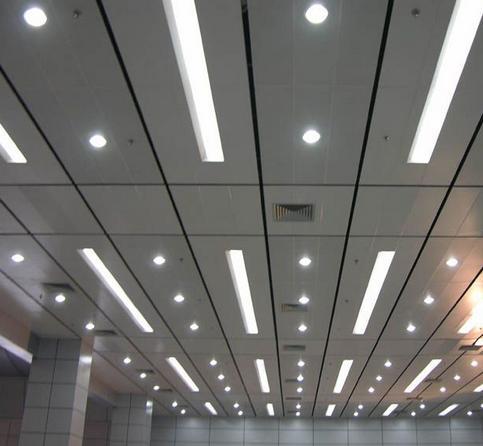 吊顶和铝扣板的区别-型材铝方通和U型铝方通外形的区别