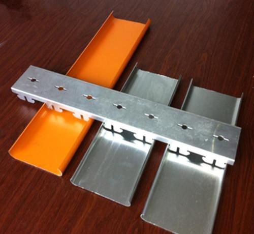 铝合金扣板吊顶客厅图片-客厅铝扣板吊顶厂家给你介绍