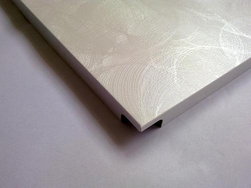 铝扣板会生锈吗-再生铝扣板会很不耐用吗-卫生间铝扣板会发出声音吗
