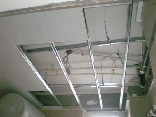 卫生间铝扣板吊顶图-卫生间铝扣板吊顶怎么样呢
