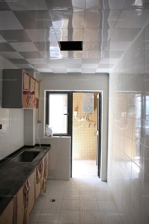 卫生间厨房铝扣板图片大全-带着300*300铝扣板吊顶图片来参战