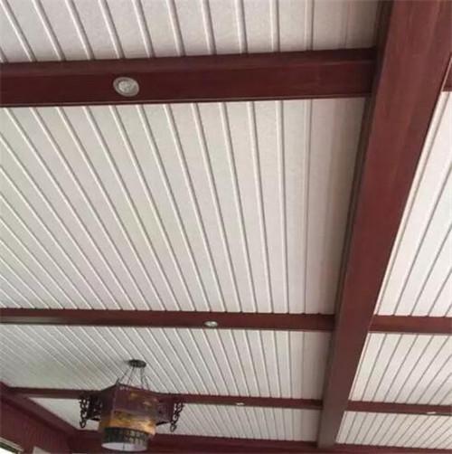 阳台吊顶选择用铝扣板-阳台安装什么材质的吊顶