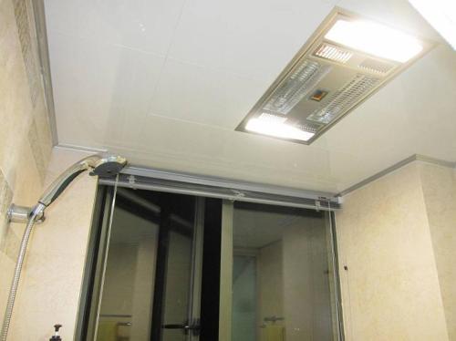 简单铝扣板吊顶-造型铝扣板吊顶简单-铝扣板吊顶很简单吗
