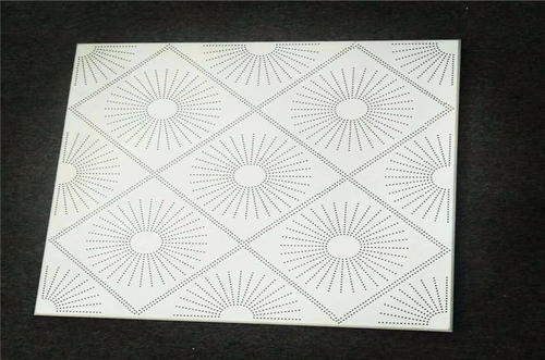 白色条形铝扣板-白色长条形铝扣板-灰色铝扣板白色收边线条