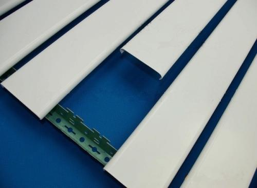 条形铝扣板定制商家-医院条形铝扣板定制厂家-商场铝扣板定制厂家