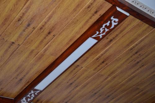 木纹铝扣板效果图-木纹铝扣板拼接效果图-厨房吊顶木纹铝扣板效果图