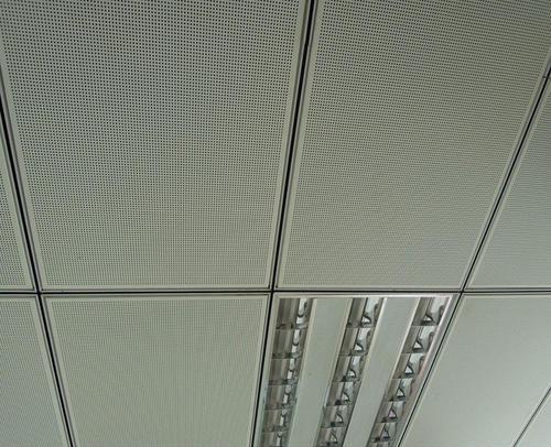 铝扣板天花的厚度-佛山铝天花厂家为你介绍怎么选铝天花尺寸厚度