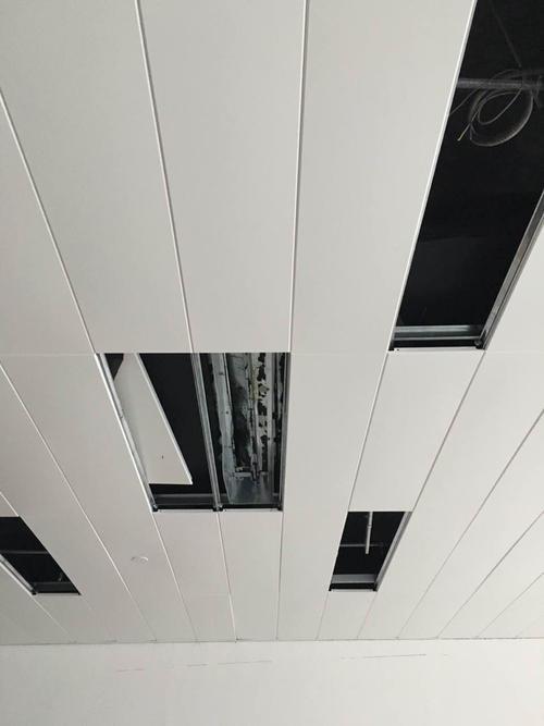 吊一平方米铝扣板吊顶多少钱-看材料来讲话
