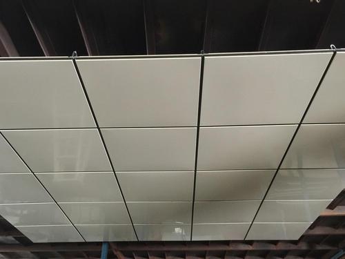 铝扣板铝吊顶-铝蜂窝板比铝扣板好用