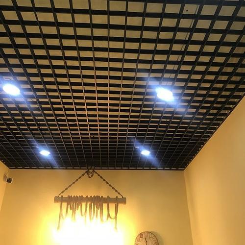 房屋吊顶铝扣板图片-铝格栅天花怎么安装