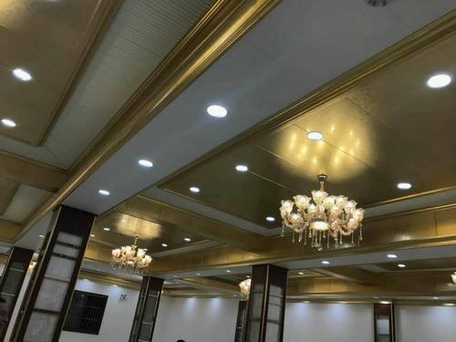 天花吊顶板铝扣板-佛山铝天花厂家之铝扣板集成吊顶最低吊多少