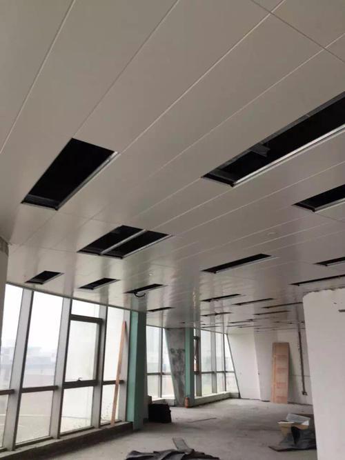 铝扣板半吊多少钱一平方米-铝扣板批发厂家看看铝扣板吊顶多少钱一平方