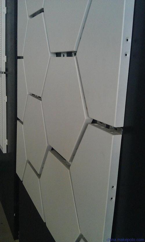 600工程板铝扣板效果图-铝扣板医院工程案例效果图