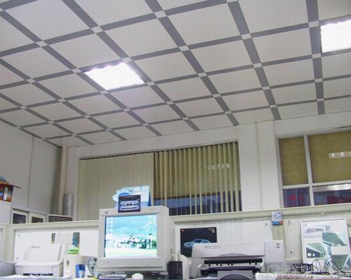铝扣板批发规格价格-铝扣板批发厂家讲讲集成铝扣板吊顶多少钱