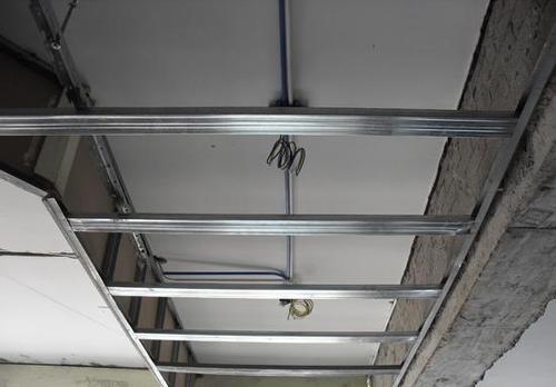 铝扣板多少钱一平方米划算的-铝扣板吊顶每平方多少价钱