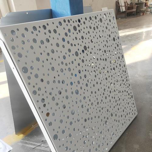 室内墙装饰材料铝扣板-跟着室内铝扣板厂家一起看看吧