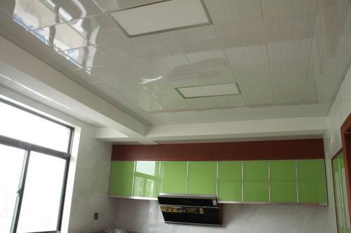 客厅轻奢集成吊顶-看看客厅铝扣板吊顶厂家讲铝扣板吊顶辅料龙骨怎么选