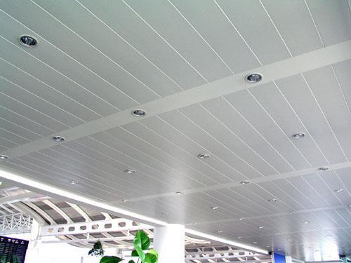 集成铝扣板厂家价格-铝扣板批发厂家讲讲集成铝扣板吊顶多少钱