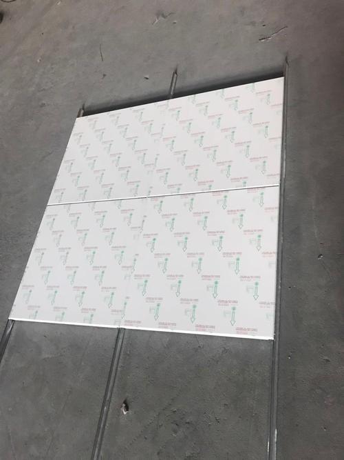 铝扣板吊顶批发商-跟着铝扣板批发厂家看看吧