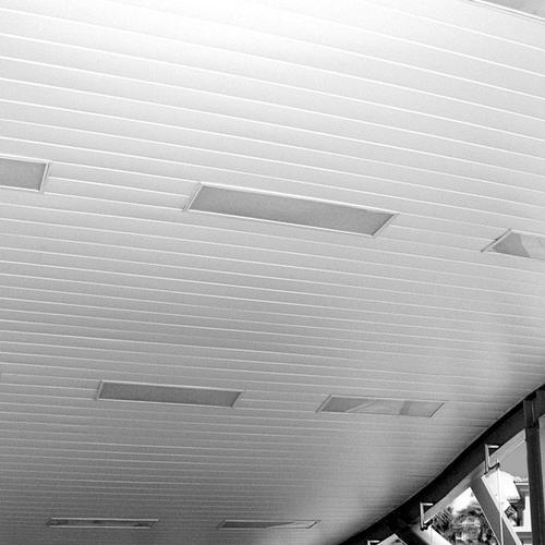 铝扣板生产厂家有几家-工程铝扣板生产厂家