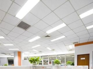 铝扣板简约风格吊顶图片-现代简约风铝扣板吊顶效果图