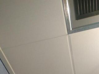 铝扣板厂家电话-厨房铝扣板吊顶厂家给你深度剖析铝扣板和石膏板那个更好